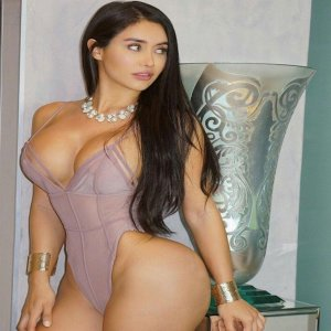 Nadera casual sex in West Islip New York